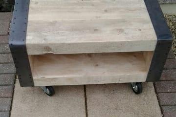 rustic-coffee-table-cornwall-1